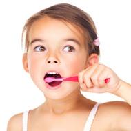 kinderen poetsen